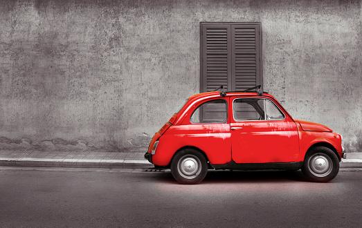 Italian Culture「Old red car on street.」:スマホ壁紙(2)