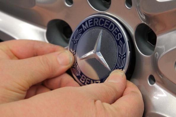 ダイムラーAG「S-Class Assembly At Mercedes-Benz Plant」:写真・画像(3)[壁紙.com]