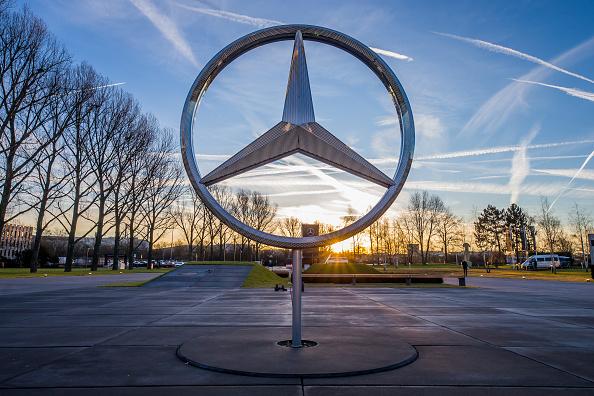 ダイムラーAG「Mercedes-Benz Production At Daimler Sindelfingen Plant」:写真・画像(17)[壁紙.com]