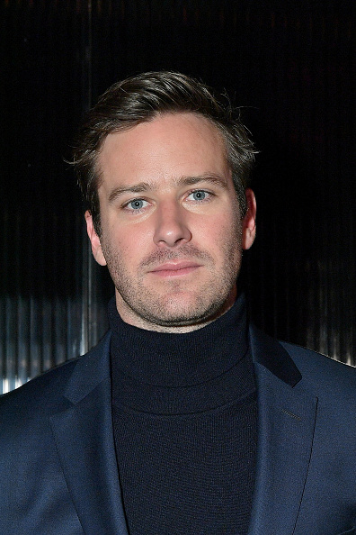 Armie Hammer「BOSS Menswear - Front Row - February 2018 - New York Fashion Week Mens'」:写真・画像(9)[壁紙.com]