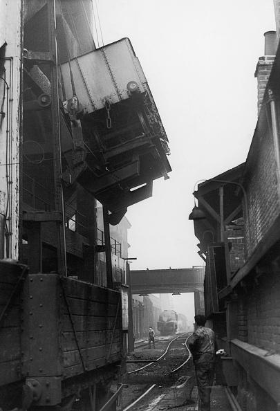 乗り物・交通「Coal Truck」:写真・画像(16)[壁紙.com]