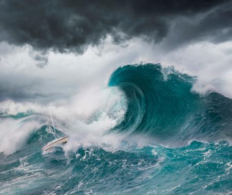 Tsunami「Small Boat Faces a Tsunami」:スマホ壁紙(14)
