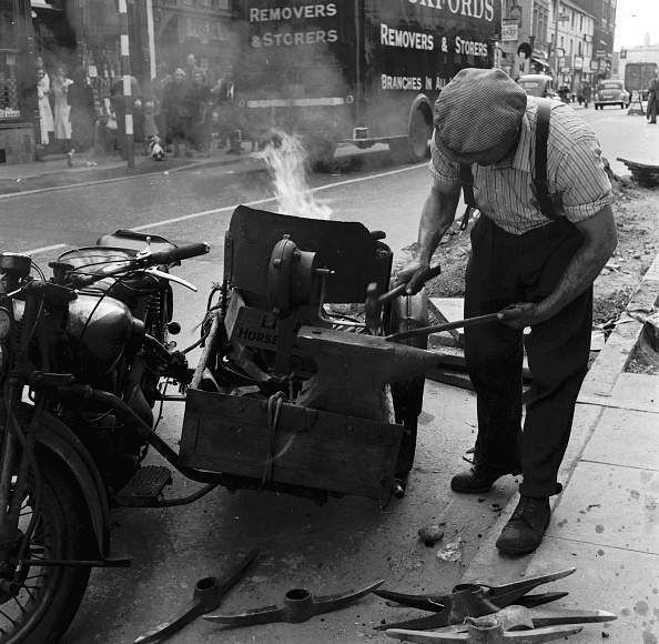 Sharpening「Roadside Repairs」:写真・画像(17)[壁紙.com]