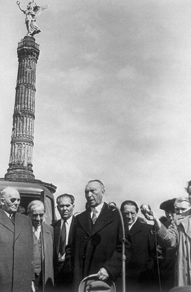 Politics「Konrad Adenauer」:写真・画像(18)[壁紙.com]