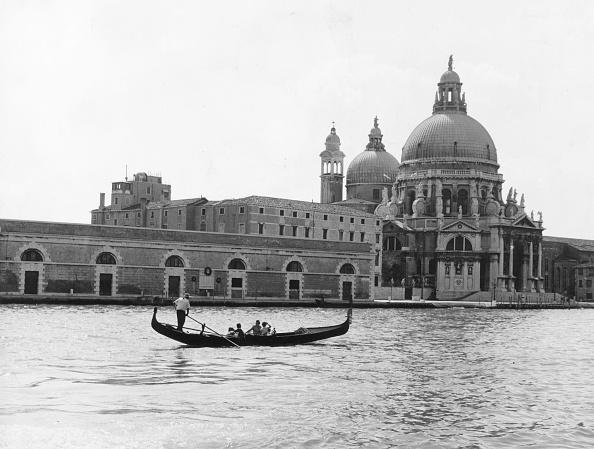Grand Canal - Venice「Venetian Gondola」:写真・画像(1)[壁紙.com]
