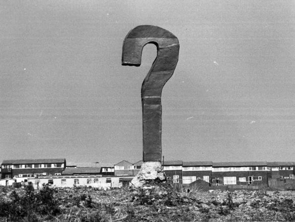 Asking「Question Mark」:写真・画像(0)[壁紙.com]