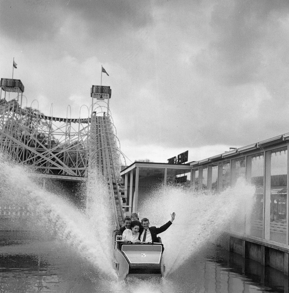 Traveling Carnival「Water Chute」:写真・画像(7)[壁紙.com]