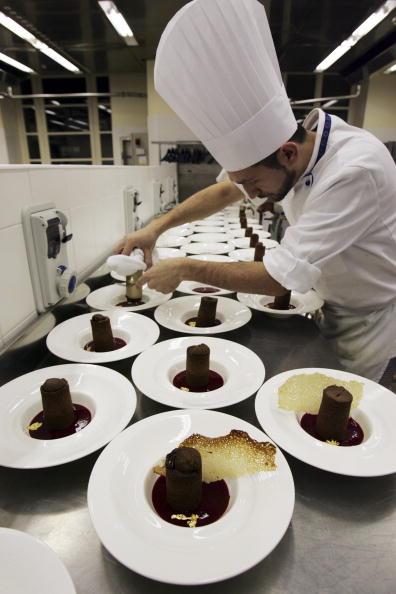 Chocolate Sauce「Italian Chefs Hold Master Classes In Local Cuisine」:写真・画像(6)[壁紙.com]