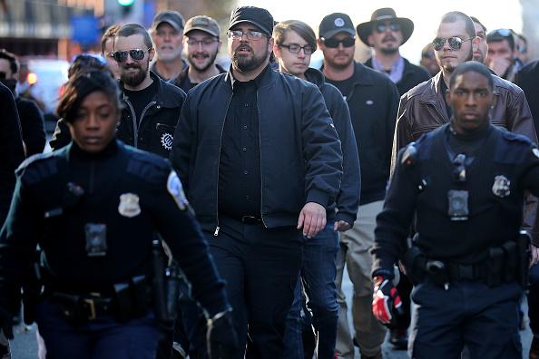 ワシントンDC「Far Right Activists Hold Anti-Immigration Protest In Washington DC」:写真・画像(16)[壁紙.com]