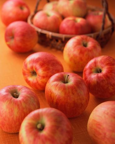 リンゴ「Apples」:スマホ壁紙(19)