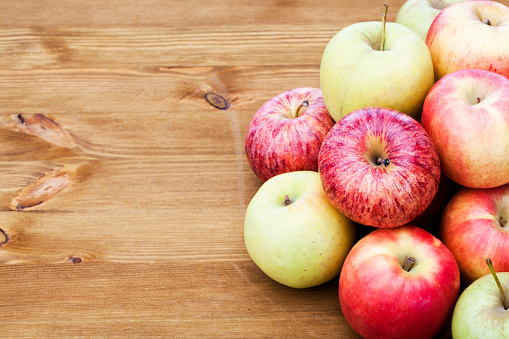 ローヤルガラ「リンゴ」:スマホ壁紙(10)