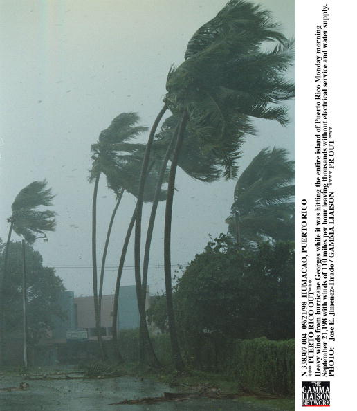 Hitting「Humacao Puerto Rico *** Puerto Rico Out*** Heavy Winds From Hurricane Georges」:写真・画像(9)[壁紙.com]