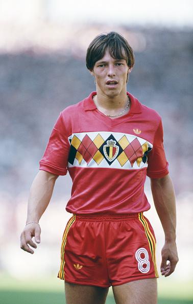 Belgium「Nico Claesen Belgium European Championships 1984」:写真・画像(19)[壁紙.com]