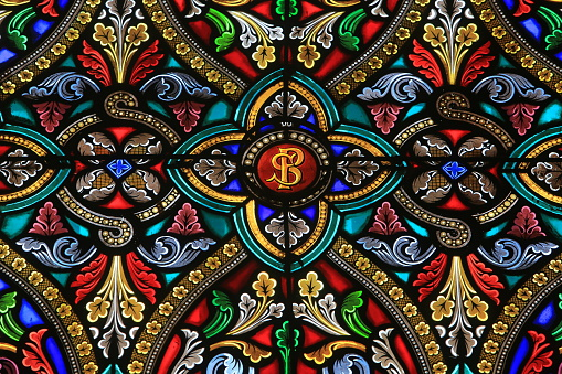 Cathedral「Paray-le-Monial. Sacred Heart Basilica. Stained glass window.」:スマホ壁紙(5)