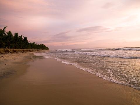 アラビア海「Arabian Sea, Kerala, India」:スマホ壁紙(12)