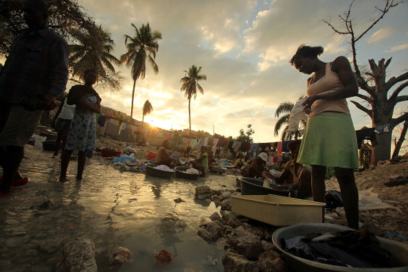 Water「Year After Earthquake In Haiti, The Impoverished Country Continues To Struggle With Rebuilding」:写真・画像(2)[壁紙.com]