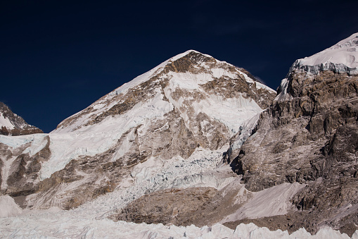 Khumbu「Glaciers forming on Himalayan peaks, Mt Everest Base Camp, Gorak Shep, Everest Base Camp Trek, Nepal」:スマホ壁紙(7)