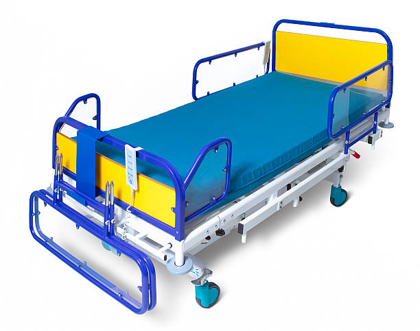 Hospital bed on white background:スマホ壁紙(壁紙.com)