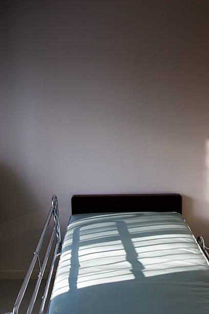Hospital Bed:スマホ壁紙(壁紙.com)