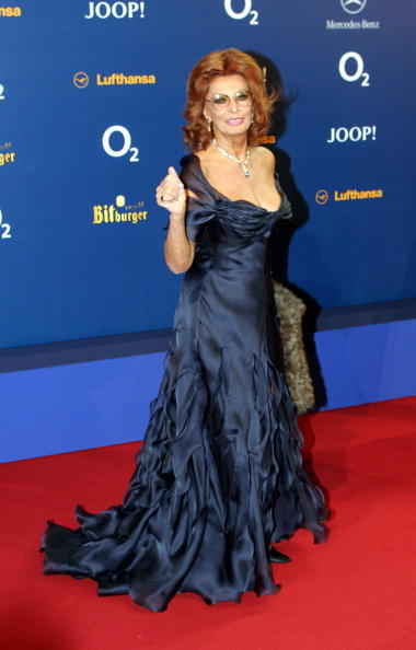 Evening Gown「Bambi Awards 2004」:写真・画像(16)[壁紙.com]