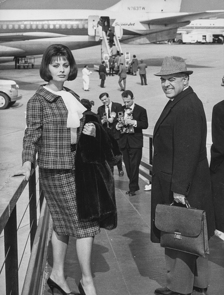 Full Length「Sophia Loren And Carlo Ponti」:写真・画像(14)[壁紙.com]