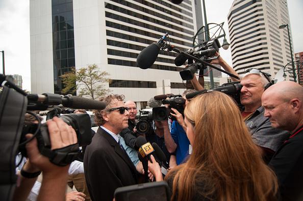 Radio「Taylor Swift's Court Case Against David Mueller」:写真・画像(8)[壁紙.com]