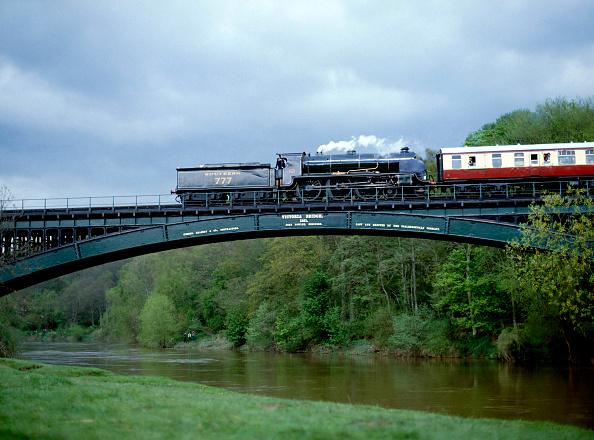 Steam Train「Severn Valley Railway No.777 Sir Lamiel crosses Victoria Bridge with the 15:40 ex Bewley for Hampton Loade.」:写真・画像(18)[壁紙.com]