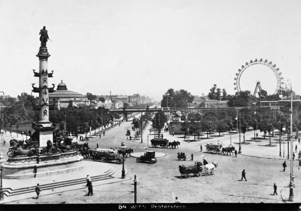 Amusement Park Ride「Vienna 2: Praterstern With Tegetthoff Monument (1886) And Ferris Wheels (1897). About 1910. Photograph By Bruno Reiffenstein (No. 84).」:写真・画像(2)[壁紙.com]