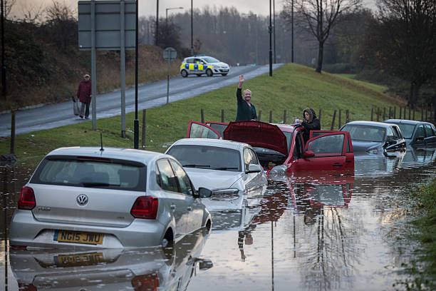 Met Office Issue Severe Weather Warnings After A Weekend Of Storms:ニュース(壁紙.com)