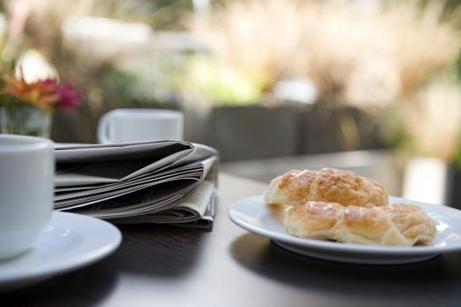 Breakfast「Newspaper and breakfast」:スマホ壁紙(0)