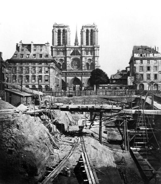 Archaeology「Paris urbanisme city planning laying Excavation」:写真・画像(8)[壁紙.com]