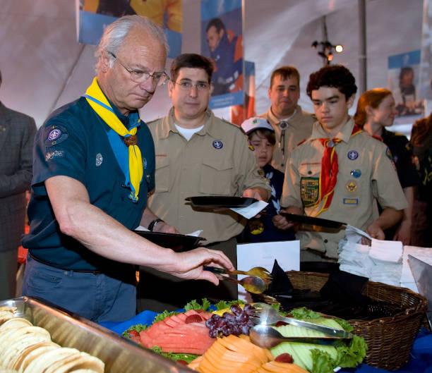Boy Scout's Pancake Breakfast With King Carl XVI Gustaf Of Sweden:ニュース(壁紙.com)