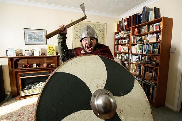 Historical Reenactment「Re-enactors Prepare For The Battle Of Hastings For 950th Anniversary」:写真・画像(9)[壁紙.com]