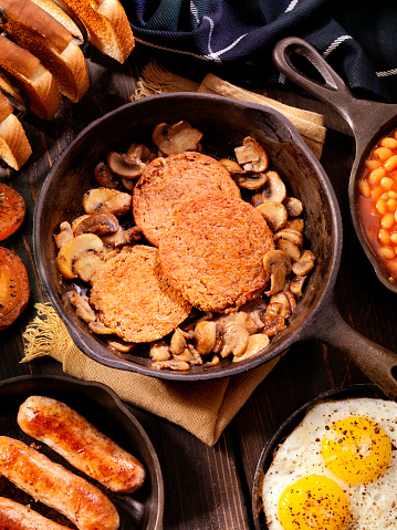 スコットランド文化「充実した朝食で、伝統的なスコットランド風のハギス」:スマホ壁紙(12)