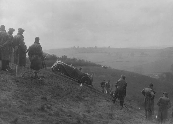 Steep「MG Magna competing in the MG Car Club Rushmere Hillclimb, Shropshire, 1935」:写真・画像(7)[壁紙.com]