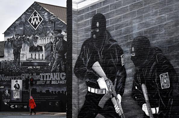 Mural「Mural Makers Reflect Belfast's Positive Future」:写真・画像(11)[壁紙.com]