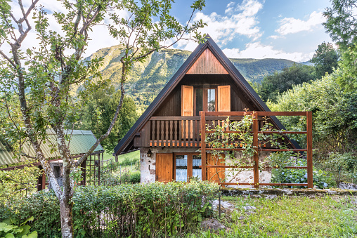 Chalet「Mountain Chalet with a Beautiful View of Alps」:スマホ壁紙(8)