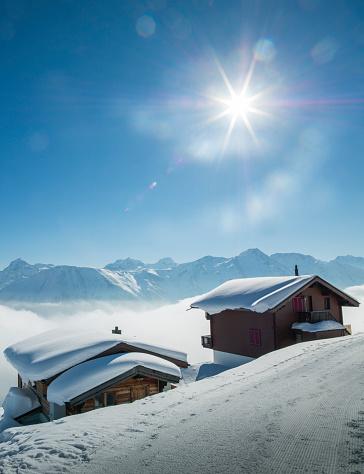 Chalet「Mountain chalets under snow」:スマホ壁紙(4)