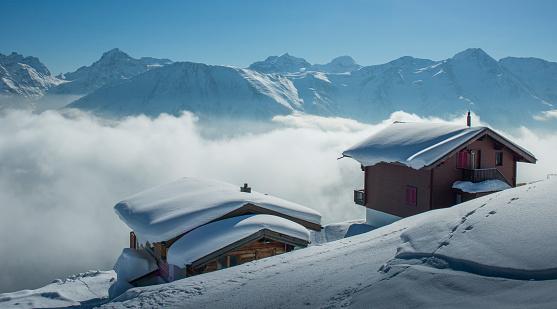Snowdrift「Mountain chalets under snow」:スマホ壁紙(0)