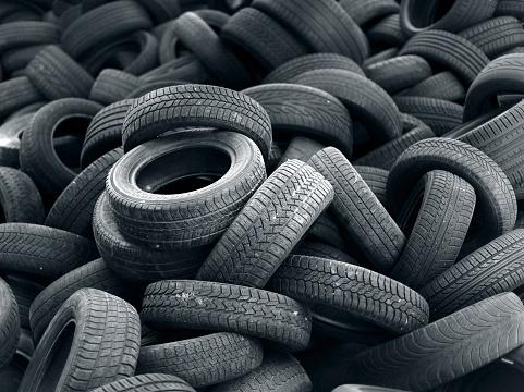 Heap「Old black car tire rubber」:スマホ壁紙(1)