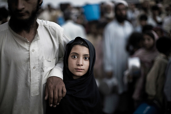 Pakistan「Internally Displaced Face Harsh Conditions In Relief Camps」:写真・画像(8)[壁紙.com]