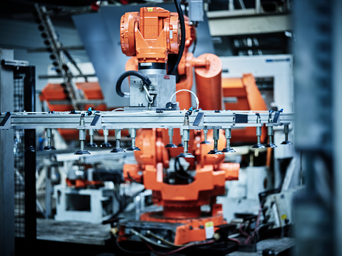 Robot Arm「Industrial robot arm used in metalworking」:スマホ壁紙(4)