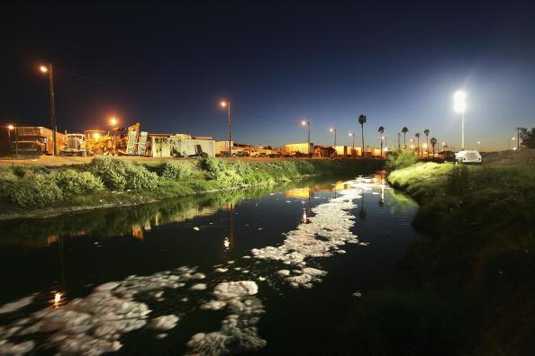 Baja California Peninsula「Border Security Threatens Mexico-California Economic Ties」:写真・画像(2)[壁紙.com]