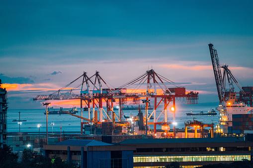 Capital Region「Industrial cargo cranes in Manila bay, Philippines」:スマホ壁紙(18)