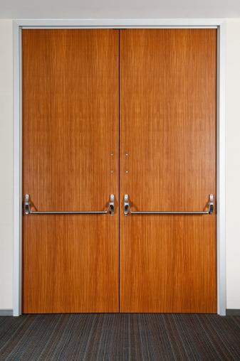 Closed「Industrial Double Door」:スマホ壁紙(5)