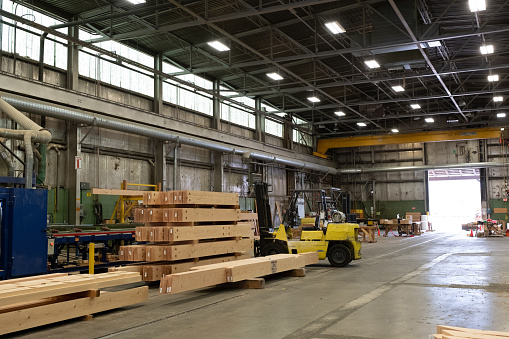 General View「Industrial timber factory stands empty due to the COVID 19 pandemic」:スマホ壁紙(9)