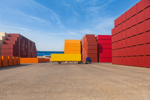 Pier「Industrial Container yard for Logistic Import Export business」:スマホ壁紙(11)