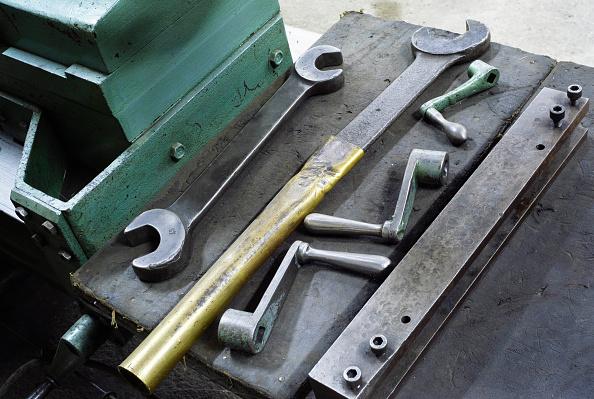 静物「Industrial spanners and wrenches」:写真・画像(9)[壁紙.com]