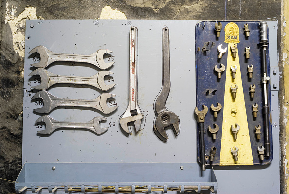 Variation「Industrial spanners and wrenches」:写真・画像(3)[壁紙.com]