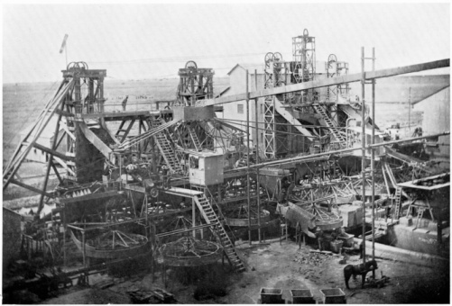 1900「Industrial washing plant at De Beers diamond mines」:スマホ壁紙(13)
